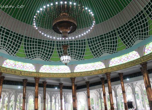 Wisata Kalbu di Masjid 1000 Tiang