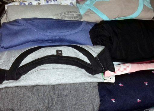 Cara Membuat Koper atau Tas Memuat Banyak Baju untuk Bepergian
