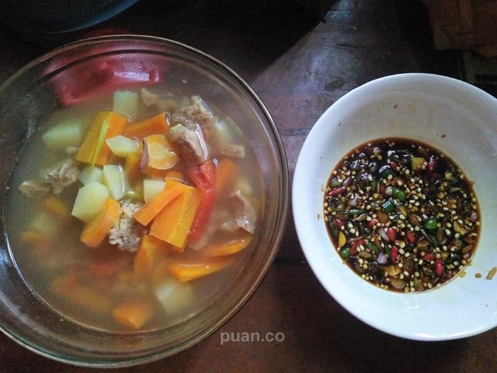 Perpaduan Maknyos Sop Daging Sapi dan Sambal Kecap