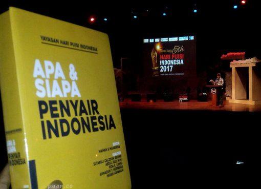 buku apa dan siapa penyair indonesia